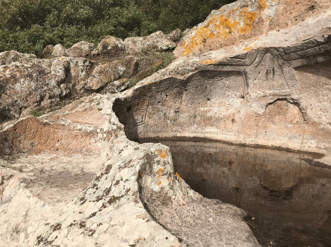 particolare tomba a cerchi - Montessu